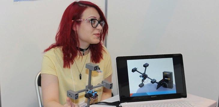 Саровчанка показала свою разработку на выставке юных изобретателей
