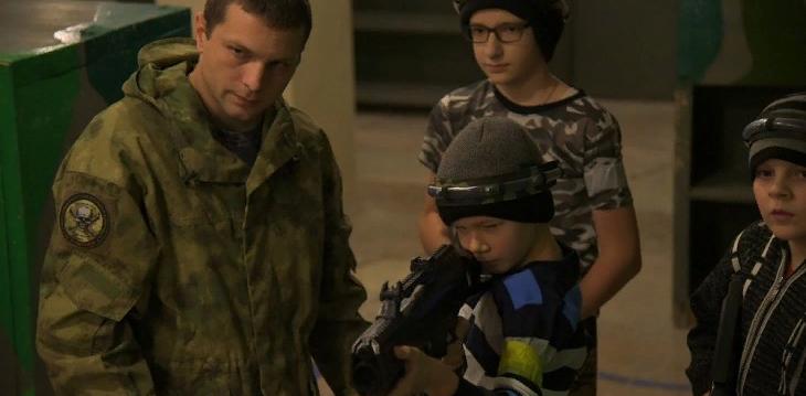 Школьники из старого и нового районов Сарова посостязались в лазертаге
