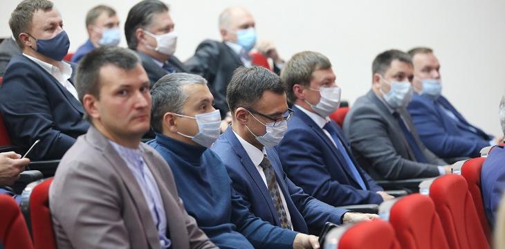 Саровским депутатам седьмого созыва вручили удостоверения